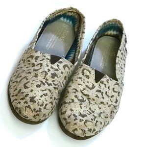 b640d07d6af9 Women Cheetah Print Toms on Poshmark